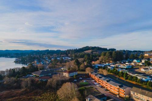 Windward Place Apartments - Lincoln City Oregon